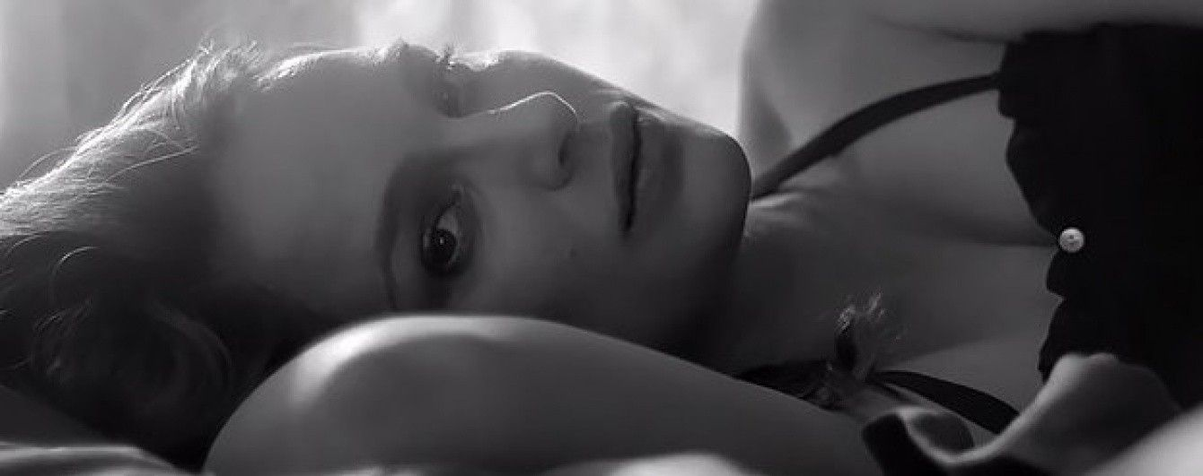 Натали Портман за несколько дней до родов снялась в откровенном клипе