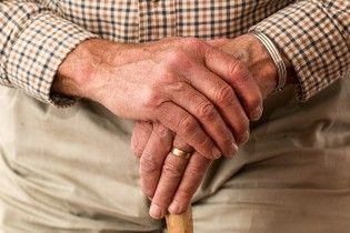 В Минобразования предложили перевести учителей-пенсионеров на контракт