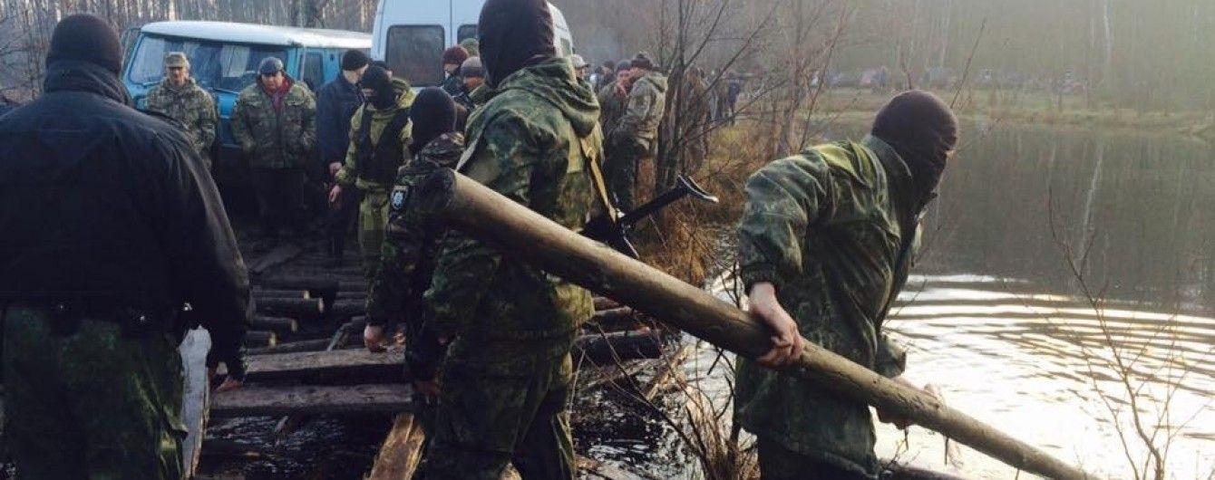 Вблизи рудников янтаря на Ровенщине 200 неизвестных устроили драку с полицией