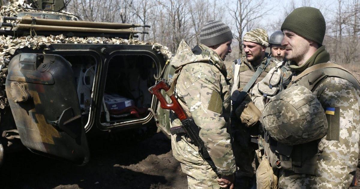 Ночные обстрелы боевиков и огонь украинских военных в ответ. Дайджест АТО