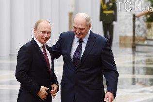Лукашенко и Путин во время встречи с глазу на глаз обсудили Украину