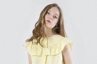 Платья с рюшами, твидовые юбки и бархатные бомберы: лукбук весенней коллекции бренда MARSEE'S