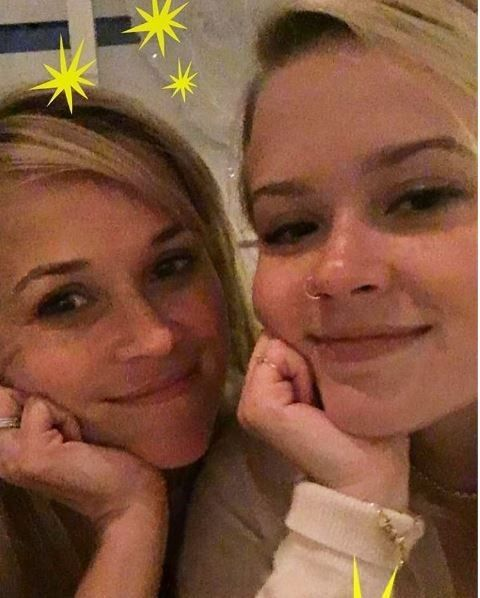 Різ Візерспун та її донька_3