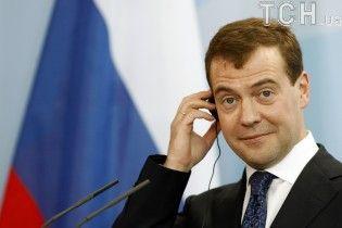 Медведев намекнул на готовность сохранить транзит газа через Украину, но назвал условия