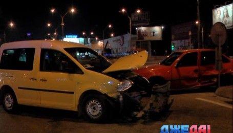На Оболонском проспекте не разминулись Volkswagen и Daewoo