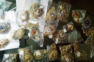 Экс-протоиерей пытался продать за полмиллиона долларов церковные реликвии митрополита Владимира