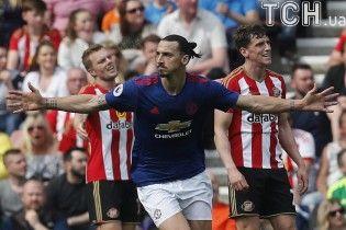 """""""Манчестер Юнайтед"""" розгромив """"Сандерленд"""", """"Лестер"""" перервав переможну серію в Ліверпулі"""