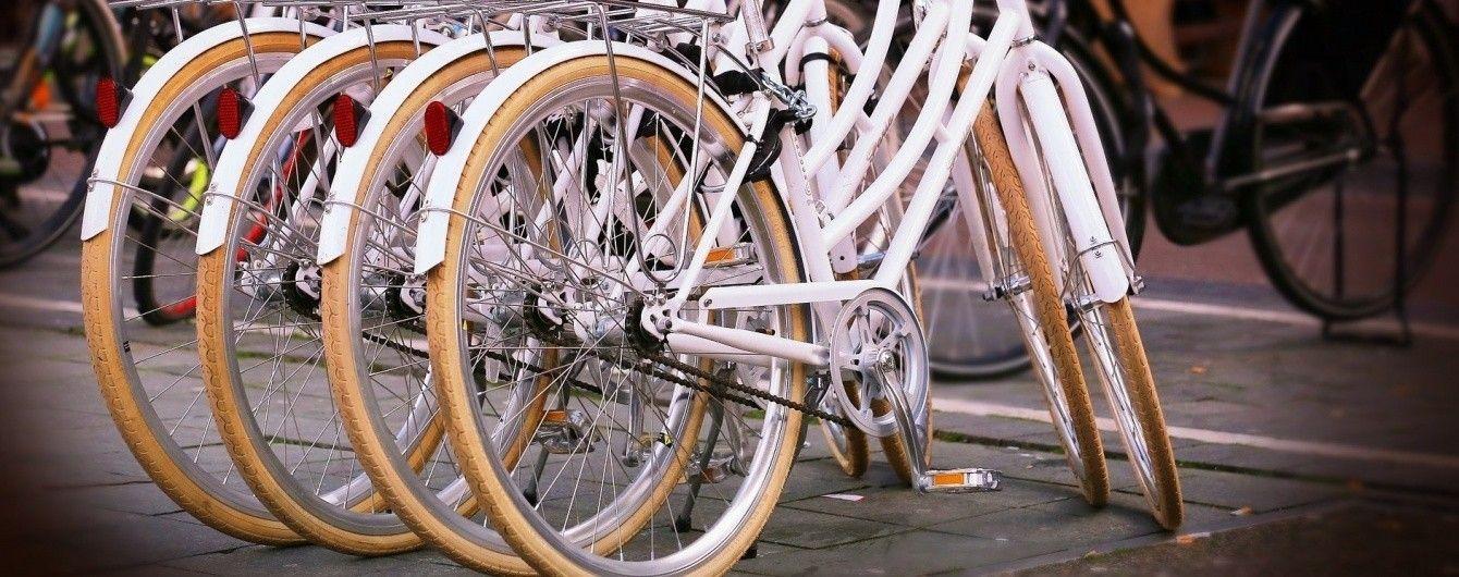 Злодії на велосипеді поцупили з ювелірки Парижа прикрас на 300 тисяч євро
