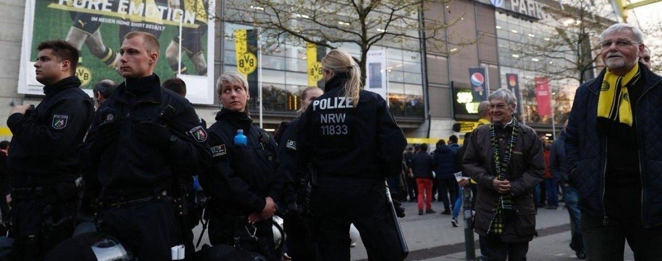 """В Германии назвали терактом взрывы возле автобуса """"Боруссии"""""""
