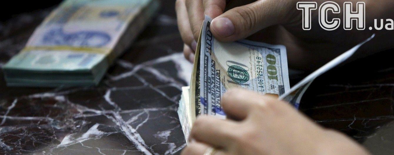 Долар продовжить дорожчати в курсах Нацбанку на 3 жовтня. Інфографіка