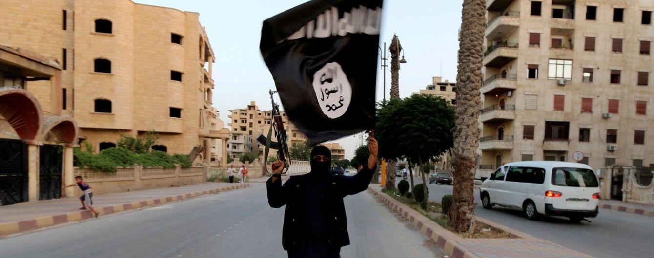 Нацрозвідка США: ІД перегруповує сили і готує нові теракти