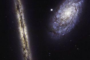 NASA показало видовищне фото двох спіральних галактик