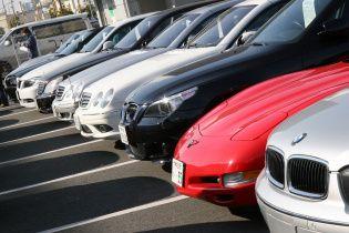 В Украине скупают элитные автомобили
