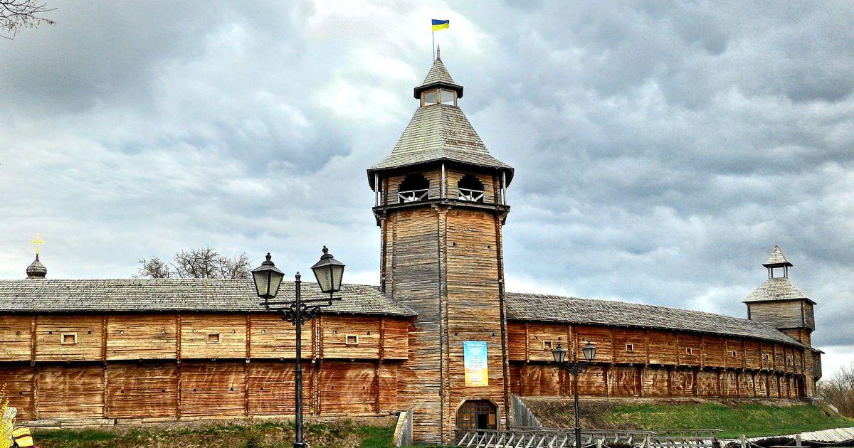 """Воскові фігури та перевтілення: в музеї """"Гетьманська столиця"""" у Батурині відтворили будинок козацької родини"""