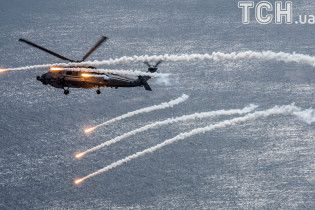 """Сталеві """"яструби"""": вертольоти США влаштували видовищні навчання"""