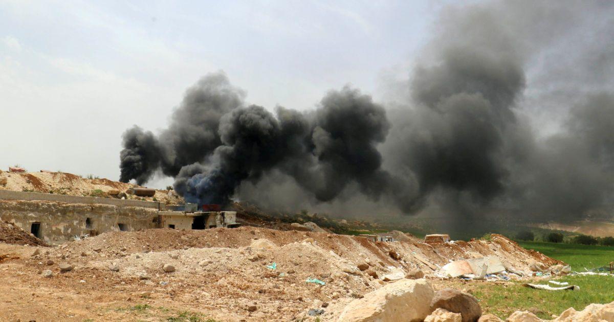 Наслідки авіаударів по лікарні у селі Маар Зіта.
