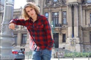 """Іспанський учасник """"Євробачення"""" зробив собі тату з українським словом"""