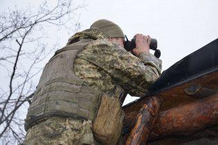 В поселке-призраке на Приазовье военные строят блиндажи, пользуясь часами затишья