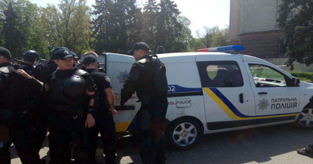 Чоловіка затримали за непокору поліції, наразі невідомо, чи він причетний до будь-яких провокацій