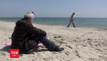 В Одесі офіційно відкрили пляжний сезон: на пляжах почали чергування рятувальники