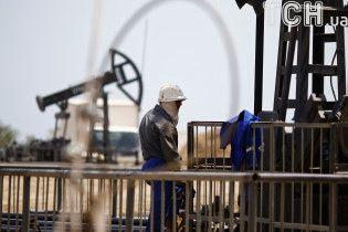 Равняется возможностям РФ: Бахрейн оценил запасы открытого встране месторождения нефти в80 млрд баррелей