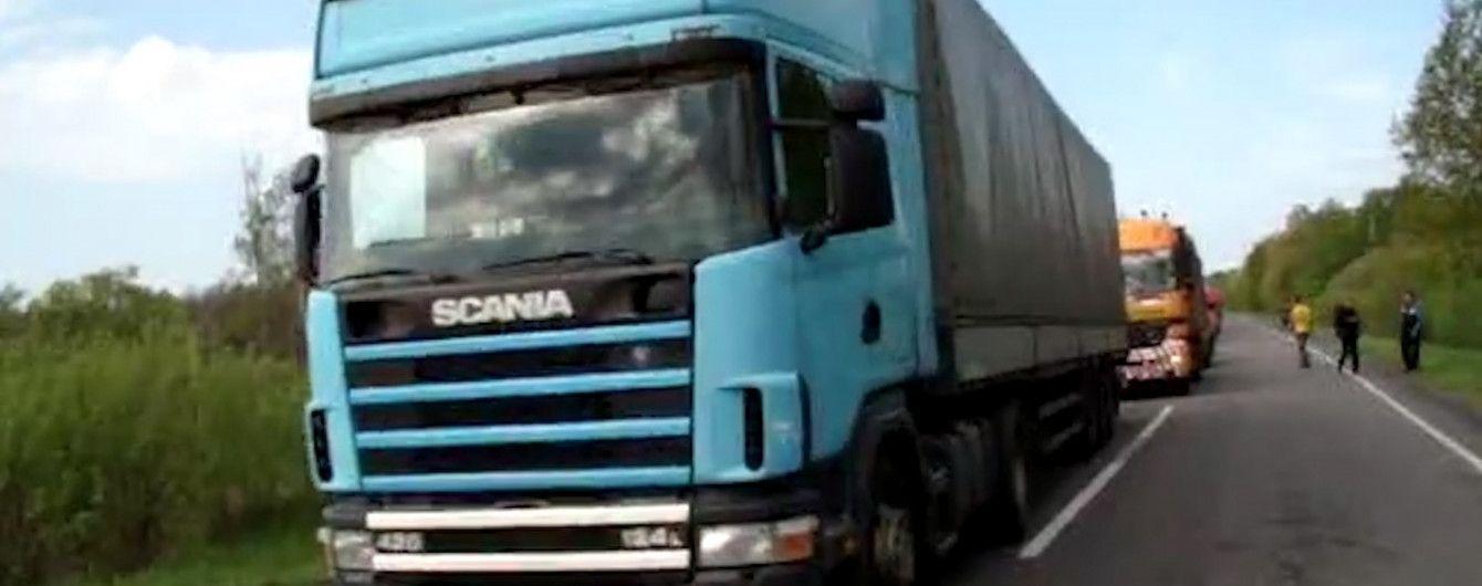 На Николаевщине СБУ разоблачила масштабную аферу дорожников - брали взятки от водителей перегруженных фур