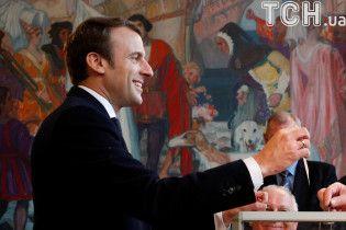 Бельгийские СМИ заявляют об уверенной победе Макрона в заморских территориях Франции