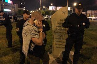 В Одесі демонтували пам'ятний камінь Жукову, який встановили прихильники забороненої КПУ