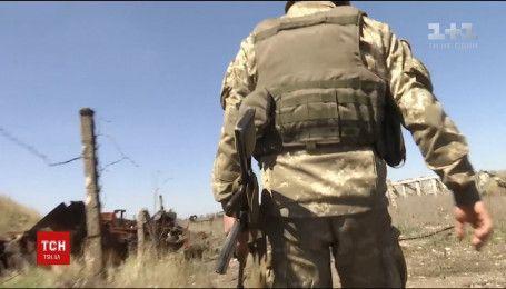 Фронтові зведення: окупанти на Донбасі обстріляли школу