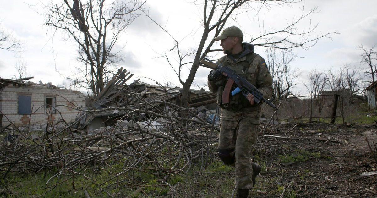 Раненый украинский военный и вражеские обстрелы на Приморском направлении. Дайджест АТО
