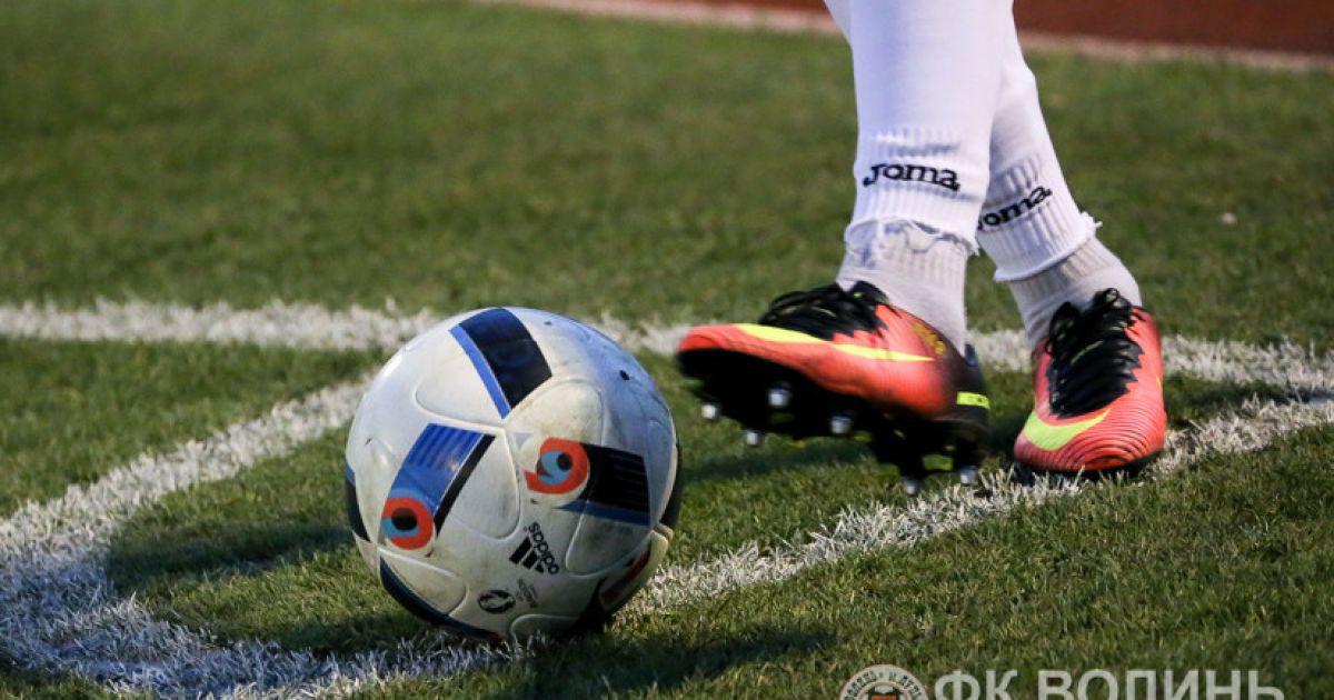 В Англии с нового сезона будут наказывать футболистов за симуляции