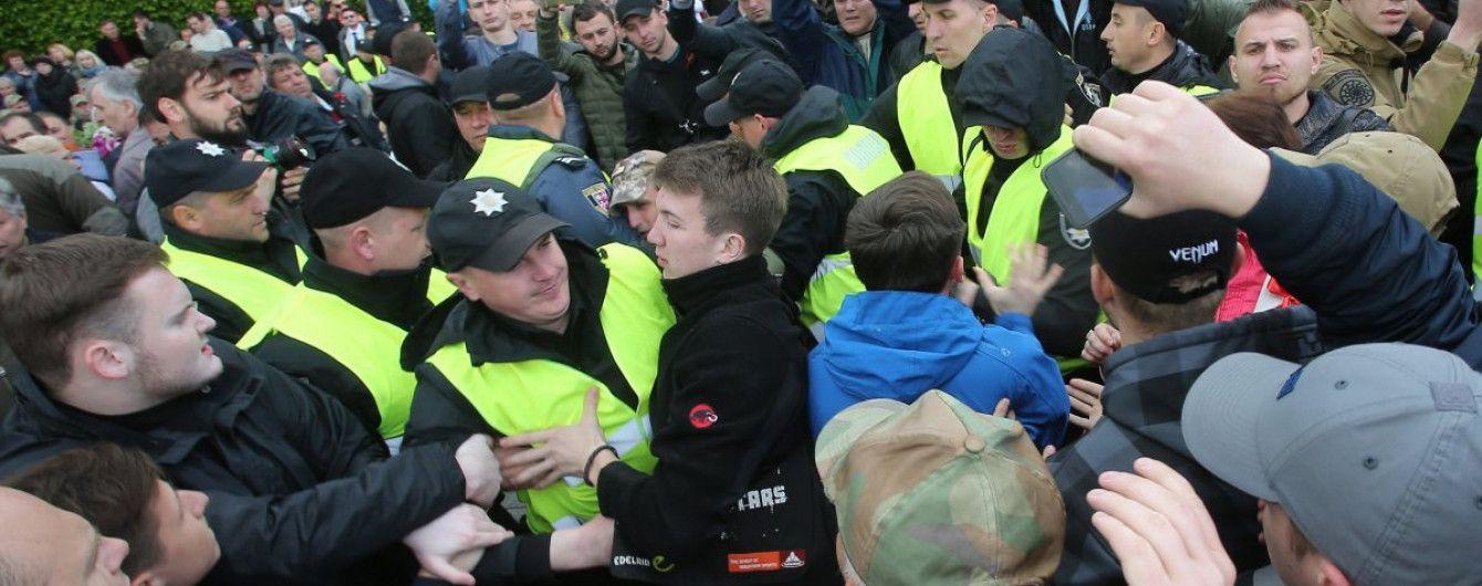 """Аваков уволил руководителей полиции Днепра и области после драки между """"титушками"""" и ветеранами АТО"""