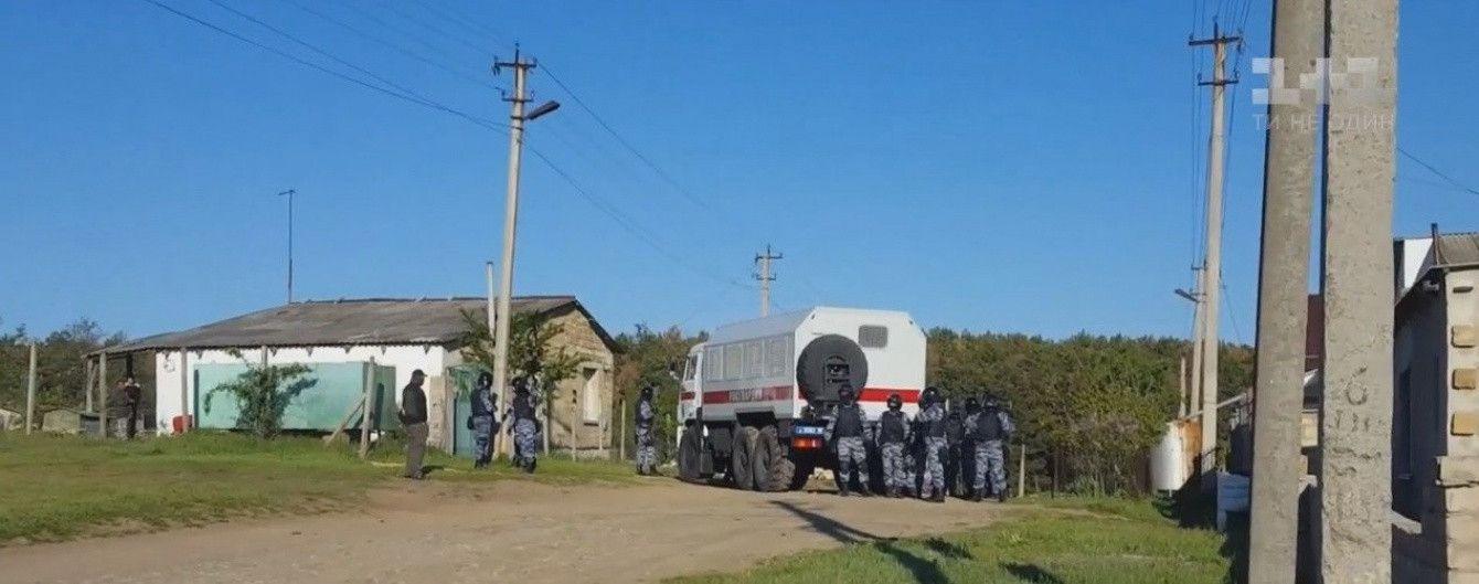 В окупованому Криму силовики провели обшук у кримського татарина Ізетова