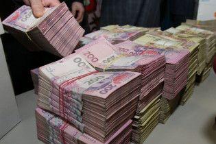 Украинцы активно понесли деньги на депозиты в банки, а те им дали больше кредитов