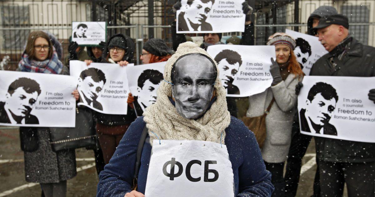 У Берліні дисидент відстояв під посольством РФ 580 годин заради звільнення українських політв'язнів