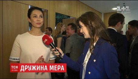 """Наталія Кличко """"трусить великі дерева"""", щоб заробити на сольну кар'єру"""
