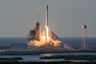SpaceX може вивести на орбіту 12 тисяч супутників для інтернету