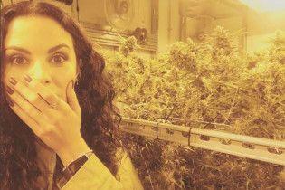 """""""Потап и Настя"""" показали фото в окружении многочисленного количества марихуаны"""