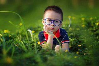 Украинские врачи назвали причины проблем со зрением у детей и дали полезные советы