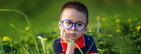 Українські лікарі назвали причини проблем із зором у дітей і дали корисні поради