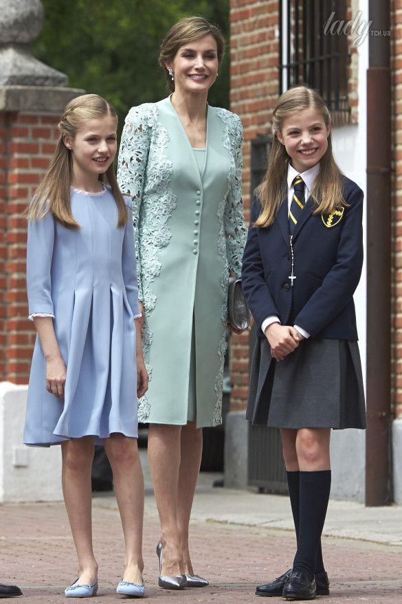 Королева Летиция с дочками_1