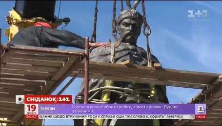 Куди дивляться найголовніші пам'ятники Києва