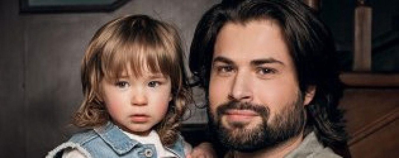 Муж Алены Мозговой показал подросшую дочь в трогательной фотосессии