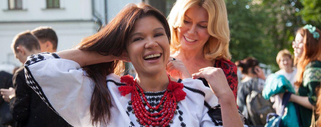 Руслана в вышиванке похвасталась уникальным ожерельем с древними рунами