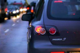 В правительстве объяснили, почему не изменят ставку растаможки пригнанных авто