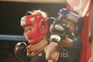 12-річна бійчиня перемогла вдвічі старшу суперницю на турнірі MMA