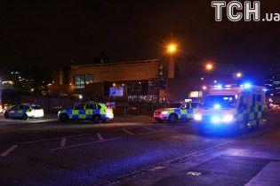 """""""Всюду были тела и кровь"""": свидетели описывают последствия взрыва в Манчестере - The Telegraph"""