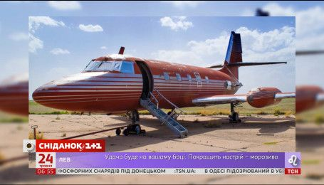 Самолет Элвиса Пресли идет с молотка