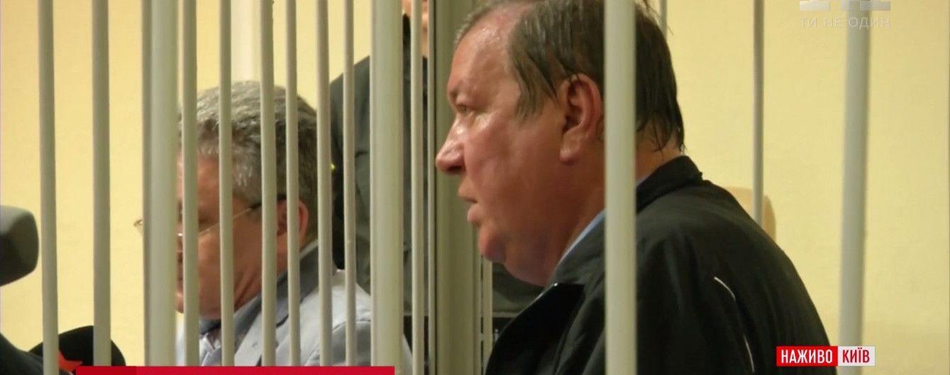 Задержанный с 3,6 миллионами долларов наличными экс-налоговик объяснил происхождение денег