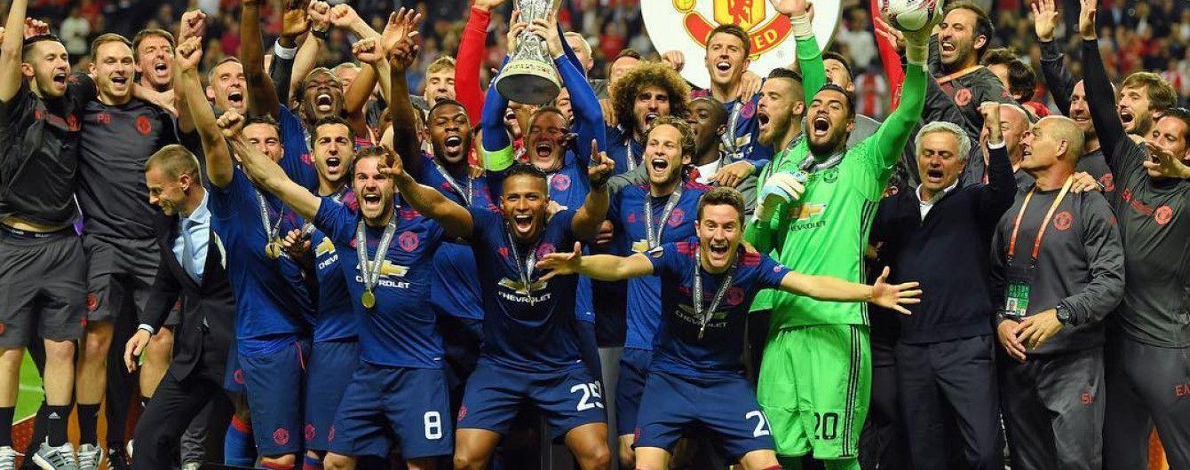"""На полі та в роздягальні. Як """"Манчестер Юнайтед"""" відсвяткував своє чемпіонство"""